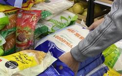 Thủ tướng yêu cầu hệ thống các nhà bán lẻ mở cửa bán gạo đến 11 giờ đêm để đáp ứng nhu cầu của người dân