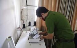 """Thấy khẩu trang đang bán chạy, chủ cơ sở mua vải về thuê người sản xuất """"chui"""" rồi rao bán trên mạng xã hội"""