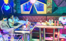 """Quán karaoke bị tước giấy phép hoạt động vì chứa hàng chục thanh niên """"mở tiệc"""" ma túy giữa mùa dịch"""