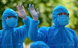 Tin vui: Thêm 5 bệnh nhân nhiễm COVID-19 điều trị tại Bệnh viện Bệnh Nhiệt đới Trung ương được công bố khỏi bệnh