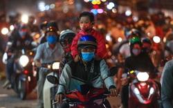 [ẢNH] Người dân từ TP.HCM ùn ùn về miền Tây nghỉ lễ 30/4, Quốc lộ 1A kẹt cứng trong đêm