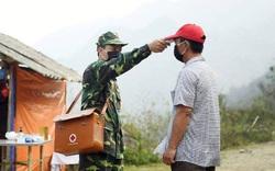 Chiến sĩ biên phòng hoãn đám cưới, không thể về đưa con bệnh nặng đi khám để ở lại cùng đồng đội chống dịch COVID-19