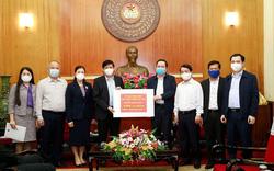 Mặt trận Tổ quốc Việt Nam trao 150 tỷ đồng ủng hộ cho Bộ Y tế chống dịch Covid-19