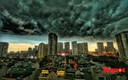 Hà Nội: Hình ảnh cơn giông kinh hoàng đổ bộ về Thủ đô
