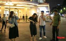 Hà Nội: Phố đi bộ mở của trở lại, người dân không đeo khẩu trang sẽ bị mời về