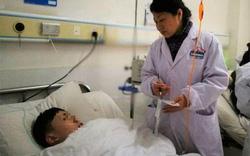 Một bên phổi của con trai bỗng biến mất một cách kỳ lạ, bố mẹ và bác sĩ bàng hoàng nhận ra đó là khối u ác tính hiếm gặp