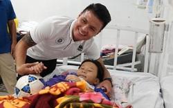 Quang Hải có hành động đẹp với fan nhí trước Gala Quả bóng vàng Việt Nam 2019