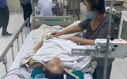 Người cha nghèo của bé trai bị cây phượng ngã đè chấn thương nặng: