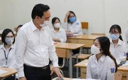 Bộ trưởng Phùng Xuân Nhạ thông tin về kỳ thi tốt nghiệp THPT trong ngày đầu học sinh trở lại trường