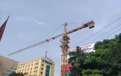 Nghệ An: Cần cẩu tháp chưa được cấp phép vẫn ngang nhiên hoạt động, vượt ra ngoài phạm vi công trình