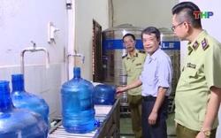 Phát hiện cơ sở sản xuất nước uống đóng bình lấy nguồn nước từ mương nước thải sinh hoạt