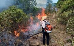Nghệ An: Hàng nghìn người đang căng mình chữa cháy rừng suốt 14 giờ đồng hồ