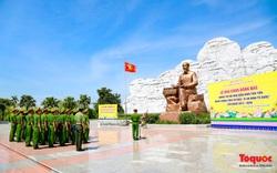 Cục Cảnh sát PCCC & CNCH dâng hương tại Khu lưu niệm 6 điều Bác Hồ dạy Công An Nhân Dân