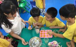 Cho 2 cô giáo nghỉ việc vì để trẻ có hành động