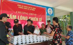 Cảnh sát cơ động Đà Nẵng phát miễn phí hàng trăm suất cơm cho bệnh nhân nghèo