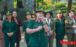Xúc động cựu binh hát cho đồng đội nghe tại