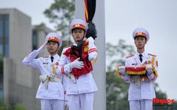 Nghi lễ treo cờ rủ Quốc tang nguyên Tổng Bí thư Lê Khả Phiêu