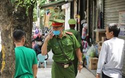 Thường trực Thành ủy Hà Nội yêu cầu ban hành quy định bắt buộc trong phòng, chống dịch COVID-19