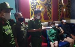 Cảnh sát ập vào quán karaoke, phát hiện nhiều người chơi ma túy