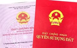 Chuyên viên Chi nhánh văn phòng Đăng ký đất đai quận Sơn Trà đem 22 sổ đỏ của dân cho bạn…
