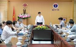 Quyền Bộ trưởng Y tế khuyến cáo người dân hạn chế thăm nuôi trong bệnh viện