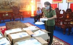 Đơn vị giấu tên tặng tuyến đầu chống dịch của Huế hàng nghìn bộ đồ bảo hộ và bộ kit test nhanh