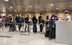 Khoảng 1.695 du khách đăng ký được hỗ trợ bay Hà Nội và TPHCM
