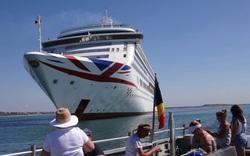 Du thuyền trống rỗng nhưng hút khách mùa dịch chỉ vì lý do này?