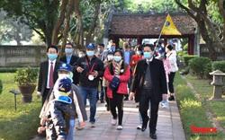 Hà Nội, Đà Nẵng và Huế đón những du khách đầu tiên của năm 2021