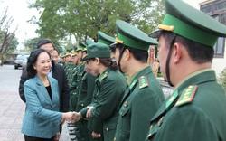 Trưởng ban Dân vận Trung ương Trương Thị Mai thăm, chúc Tết lực lượng vũ trang Quảng Nam