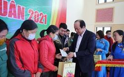 Bộ trưởng, Chủ nhiệm VPCP Mai Tiến Dũng tặng quà Tết công nhân Hà Nam