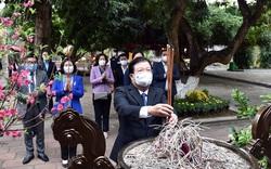 Phó Thủ tướng Trịnh Đình Dũng dâng hương tưởng nhớ Hai Bà Trưng
