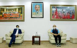 Bộ trưởng Bộ VHTTDL Nguyễn Ngọc Thiện thăm và chúc  Tết Liên đoàn bóng đá Việt Nam