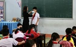 Quảng Bình: Căng mình phòng chống dịch Covid-19 khi học sinh trở lại trường