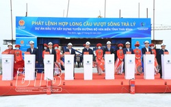Hợp long cầu vượt sông Trà Lý trên tuyến đường bộ ven biển tỉnh Thái Bình