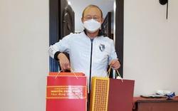 Thủ tướng gửi quà Tết tặng HLV Park Hang-seo