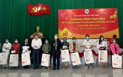 Trưởng ban Nội chính Trung ương tặng quà, chúc Tết tại Thừa Thiên Huế