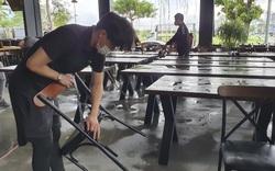 Hàng quán ở Đà Nẵng tất bật dọn dẹp trước giờ mở bán