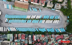 Xe buýt Hà Nội nằm dài trong bến, chờ ngày hoạt động trở lại