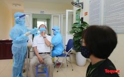 Hà Nội xét nghiệm sàng lọc COVID-19 ngẫu nhiên cho người dân khu vực nguy cơ lây nhiễm cao