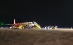 Hơn 350 hành khách từ Nhật Bản hạ cánh sân bay Vân Đồn an toàn