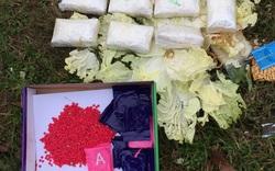 Kiểm tra bao tải bên đường, phát hiện 16.000 viên ma túy  giấu trong rau cải thảo