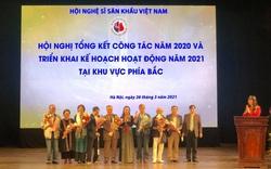 Hội Nghệ sĩ sân khấu Việt Nam đã trao 33 giải thưởng cho các nghệ sĩ, tác phẩm xuất sắc