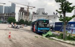 Hà Nội: Nam thanh niên đi bộ trên đường bị xe bus đâm tử vong