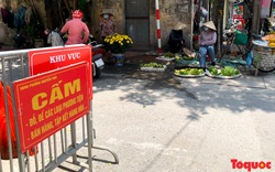 Bất chấp lệnh cấm, chợ cóc ở Hà Nội vẫn ngang nhiên hoạt động