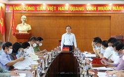 Chủ tịch HĐND thành phố Nguyễn Ngọc Tuấn kiểm tra công tác bầu cử và phòng, chống dịch Covid-19 tại huyện Mê Linh