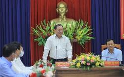 """Bộ trưởng Nguyễn Văn Hùng: """"Kon Tum có quang cảnh đẹp, sao không mạnh dạn đặt ước mơ trở thành trung tâm hội nghị của khu vực miền Trung-Tây Nguyên"""