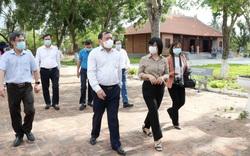Bộ trưởng Nguyễn Văn Hùng thăm di tích khảo cổ thời đại Đá cũ Rộc Tưng và Khu di tích lịch sử-văn hóa Tây Sơn Thượng (Gia Lai)
