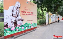 Trưng bày hơn 300 bức ảnh tư liệu nhân kỷ niệm 131 năm ngày sinh Chủ tịch Hồ Chí Minh