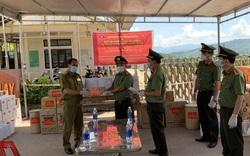 Nhiều tỉnh thành miền Trung hỗ trợ nước bạn Lào chống dịch COVID-19